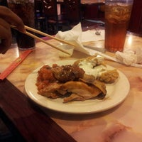 Photo taken at Hibachi Grill & Buffet by Themanofthehour on 11/5/2014