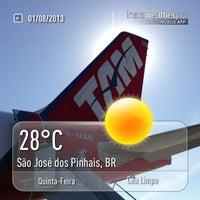 Photo taken at Linha E64/E74 Aeroporto/Centro/Rodoferroviária by Marcos P. on 8/1/2013