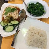Photo taken at Boon Tong Kee by photobysondhiar s. on 7/10/2016