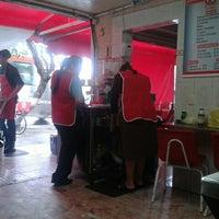 Photo taken at Tacos El Güero Transito by Andrés Camilo C. on 9/16/2013