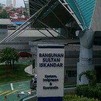 Photo taken at Sultan Iskandar CIQ Complex (Johor Bahru Checkpoint) by Sani J. on 1/11/2012
