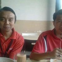 Photo taken at Restoran Latif Ibrahim by Zulkifly O. on 12/16/2011