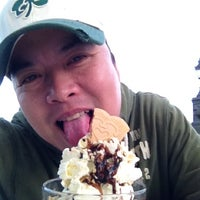 Photo taken at Fusciardi's Ice Cream Parlour by Nivra N. on 3/10/2012