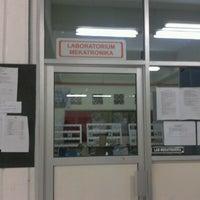 Photo taken at Laboratorium Mekatronika by Fariz A. on 7/13/2012