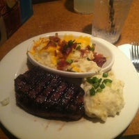 Photo taken at TGI Fridays by Victoria P. on 7/15/2012