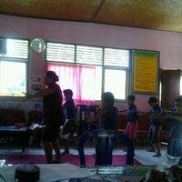 Photo taken at perpus sd negeri 2 gianyar by Putu W. on 4/19/2012
