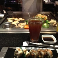 Photo taken at Sushi Itto by Fernando B. on 9/1/2012
