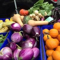 Photo taken at Penn Quarter FRESHFARM Market by Katalin E. on 9/10/2015