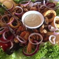 Photo taken at Grieks restaurant Parthenon by Michael v. on 6/13/2014