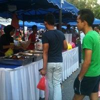 Photo taken at Bazaar Ramadhan Bandar Sri Permaisuri (بازار رمضان بندر سري ڤرماءيسوري) by mrpolie™ on 7/11/2013