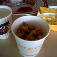 Photo taken at KFC by Destiana A. on 4/11/2014