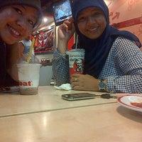 Photo taken at KFC by Purnama W. on 5/17/2013