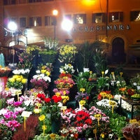 Photo taken at Campo de' Fiori by Amelie on 10/24/2012