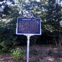Photo taken at Donald E. Davis Arboretum by Leslie B. on 10/10/2013