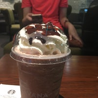 Photo taken at Starbucks by ❁ NUIIIIII on 10/8/2016