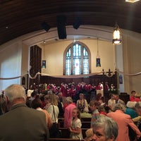 Photo taken at The Union Church of Hinsdale, U.C.C. by Jonathan P. on 4/20/2014