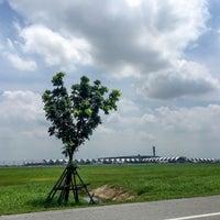 Photo taken at Runway 01R/19L by Moojajar⊂(・∀・) on 7/28/2016