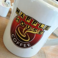 Photo taken at Waffle House by j3nnY G. on 8/15/2013