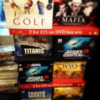 Photo taken at Waterstones by Malinee P. on 1/2/2013