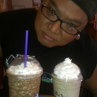 Photo taken at The Coffee Bean & Tea Leaf by Rocky I. on 8/10/2013