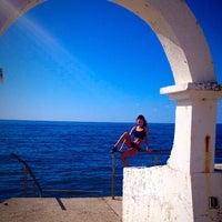 Photo taken at Дикий Пляж by Kris L. on 10/21/2014