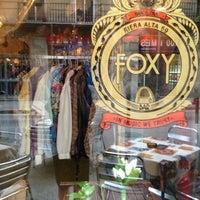 Foto tirada no(a) Foxy Bar por Rafael G. em 11/11/2012