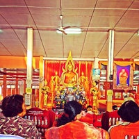Photo taken at วัดท่าสูง by Dome S. on 3/23/2014