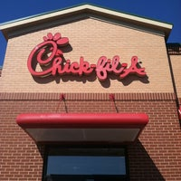 Photo taken at Chick-fil-A Culpeper Colonnade by Malcolm J. on 10/12/2012