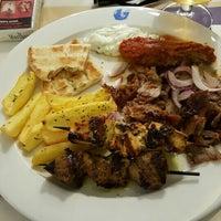 Photo taken at Dionisos Quick Greek by Yılmaz T. on 6/17/2016