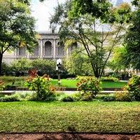 Photo taken at Sculpture Garden - Art Institute of Chicago by David K. on 10/11/2013