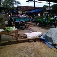 Photo taken at Pasar Ngemplak by Anis R. on 12/3/2014