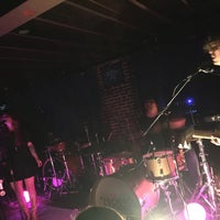 Photo taken at Duck Room at Blueberry Hill by Emily W. on 7/23/2016