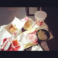 Photo taken at Chick-fil-A Broadway Crossing by Drew P. on 10/14/2014