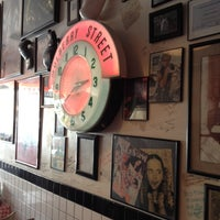 Photo taken at Mulberry Street Pizzeria by Brent S. on 7/16/2014