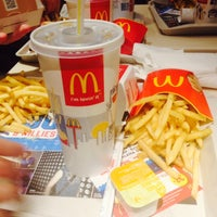 Photo taken at McDonald's by Febe W. on 3/14/2015