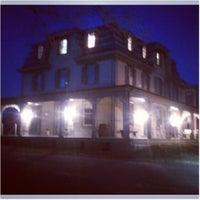 Photo taken at Whitehaven Hotel by Spanish Rob V. on 3/23/2013