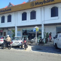 Photo taken at Maybank by Ezwan R. on 3/24/2014