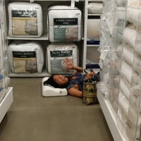Photo taken at Bed Bath & Beyond by Narisara V. on 7/19/2014
