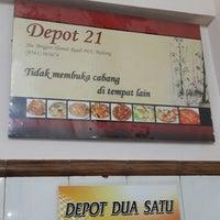 Photo taken at Depot Dua Satu (21) by Ronny D. on 9/1/2013