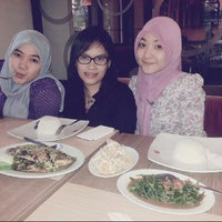Photo taken at Resto Kaliwang by emaz a. on 7/2/2013