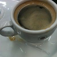 Photo taken at Café do Ponto by Ana D. on 1/14/2013