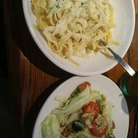 Photo taken at Olive Garden by Ray H. on 7/22/2016