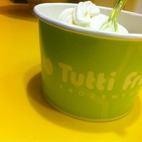 Photo taken at Tutti Frutti Frozen Yogurt by sanDru H. on 3/31/2013
