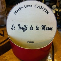 Photo taken at Marie-Anne Cantin by Ultimate Paris on 9/24/2013