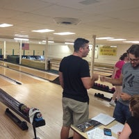 Photo taken at Woodlawn Duckpin by Danielle on 7/23/2014