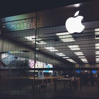 Photo taken at Apple Store, Easton Town Center by Christina P. on 11/1/2013