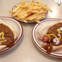 Photo taken at Leo's Coney Island by Cindy B. on 8/9/2016