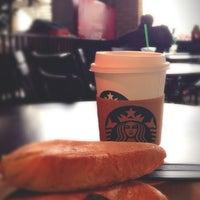 Photo taken at Starbucks by Mashael on 9/9/2016
