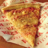 Photo taken at Vezpa Pizzas by Renan O. on 3/15/2013