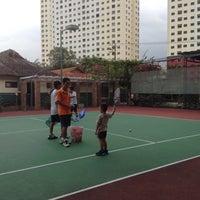 Photo taken at Văn Thánh Tennis Court by Sim T. on 11/17/2013